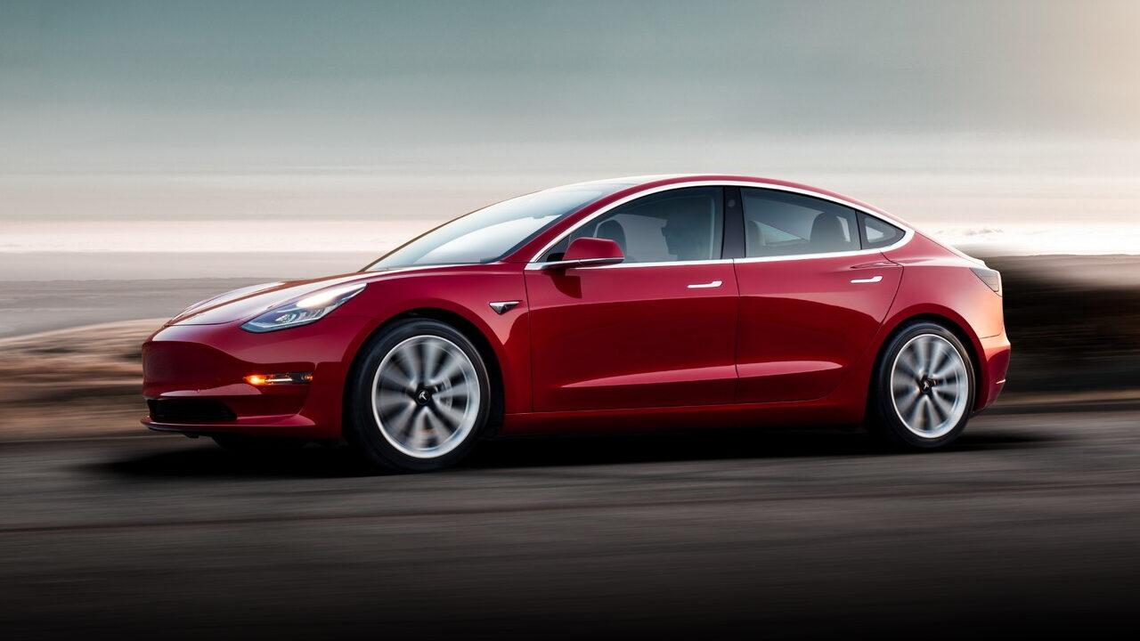 Электромобиль Tesla Model 3 оказался непригодным для индийских дорог