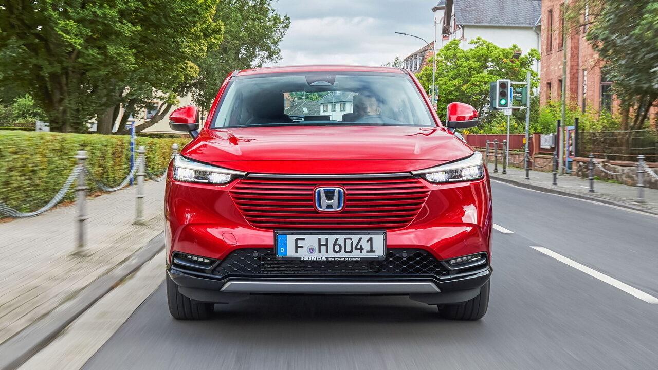 Опубликованы изображения нового кроссовера Honda HR-V e: HEV