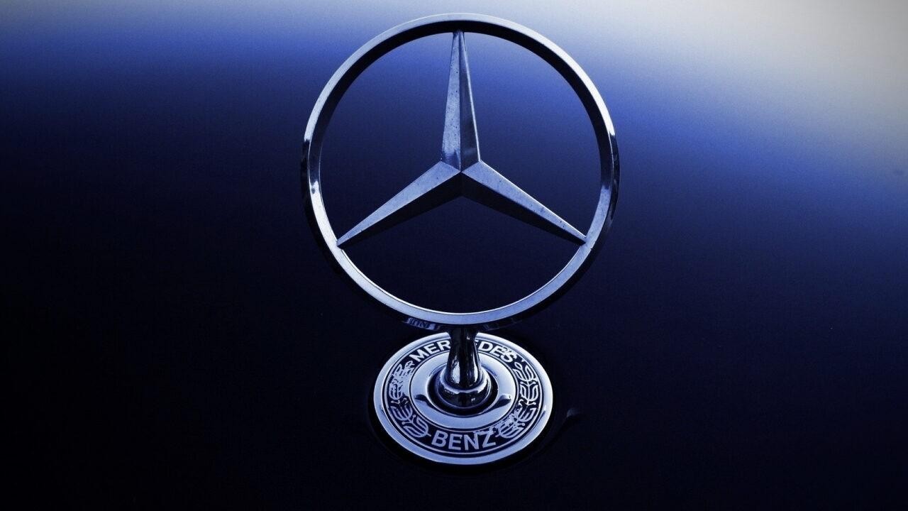 Акционеры решили переименовать Daimler в Mercedes-Benz
