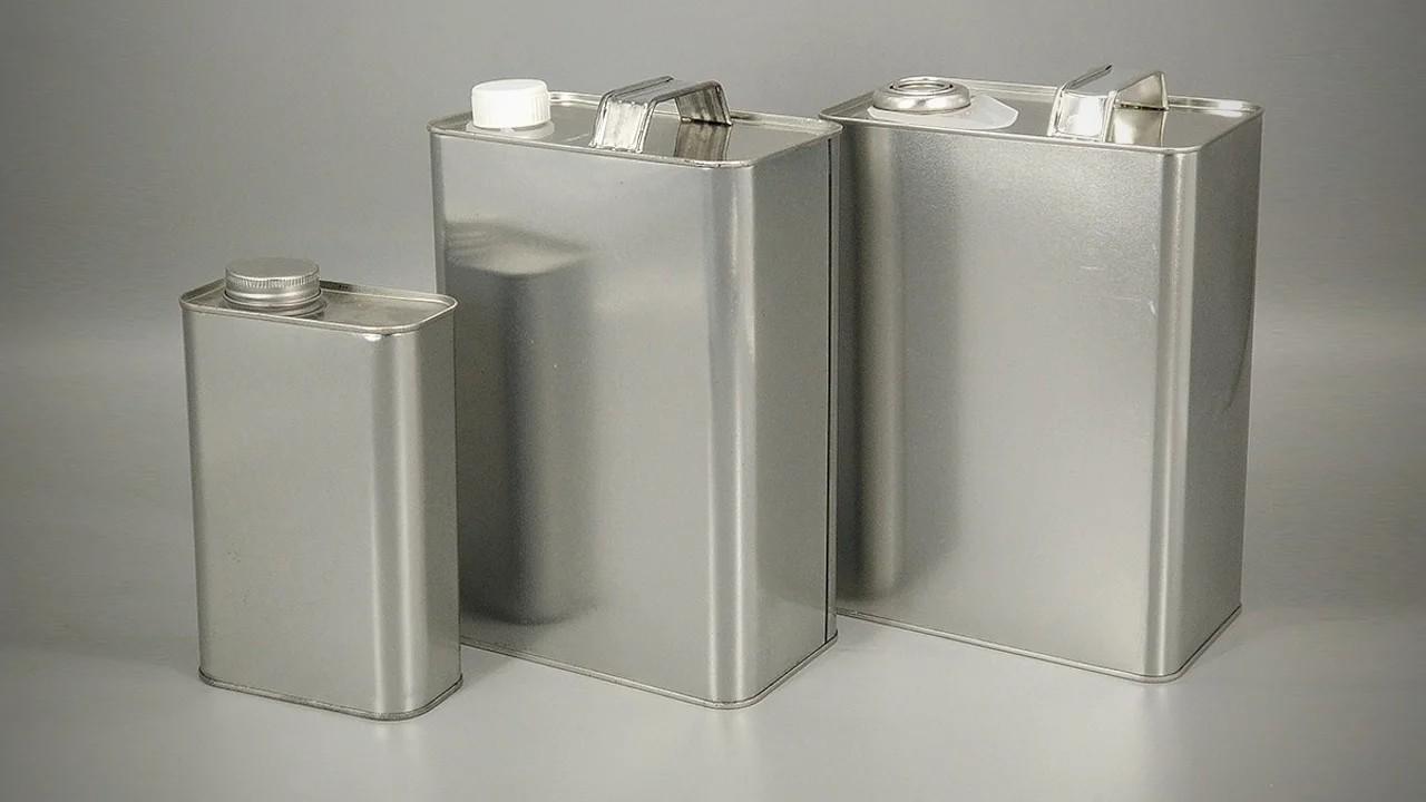 Как подделывают моторные масла в металлических канистрах