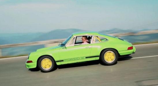 Безногий механик сделал себе Porsche 911 без педалей