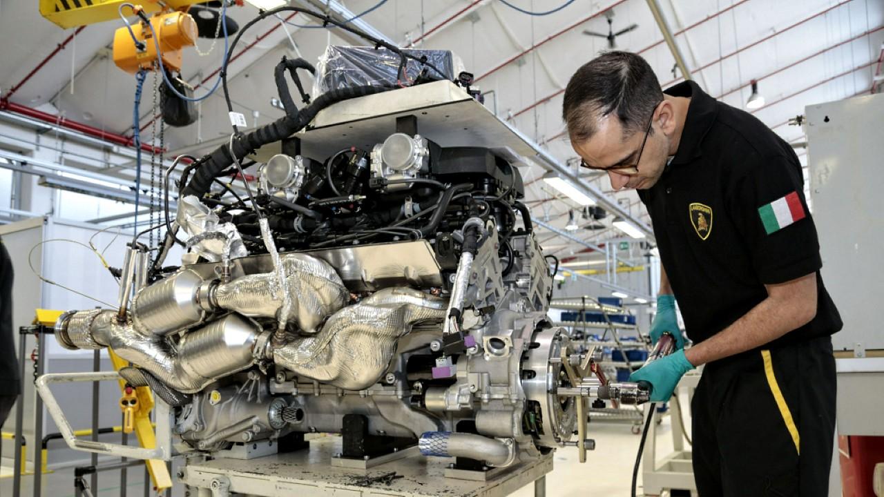 Завод Lamborghini в Сант'Агата-Болоньезе