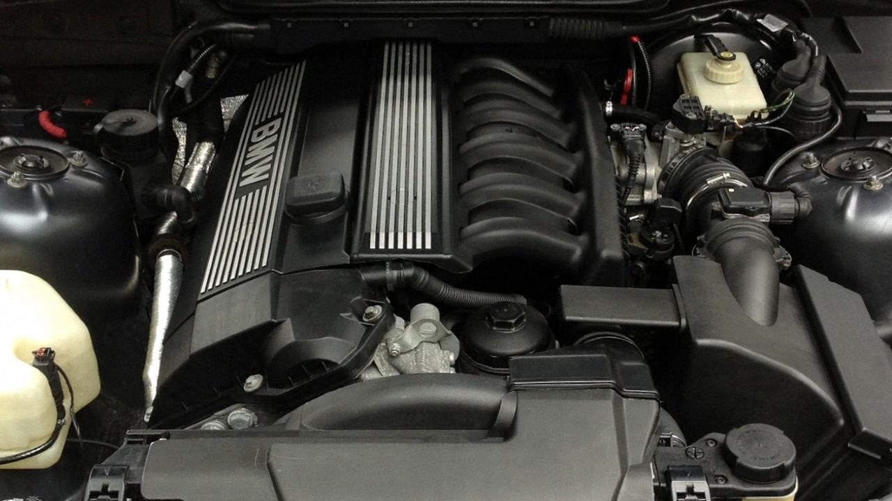 Двигатель БМВ M50B25