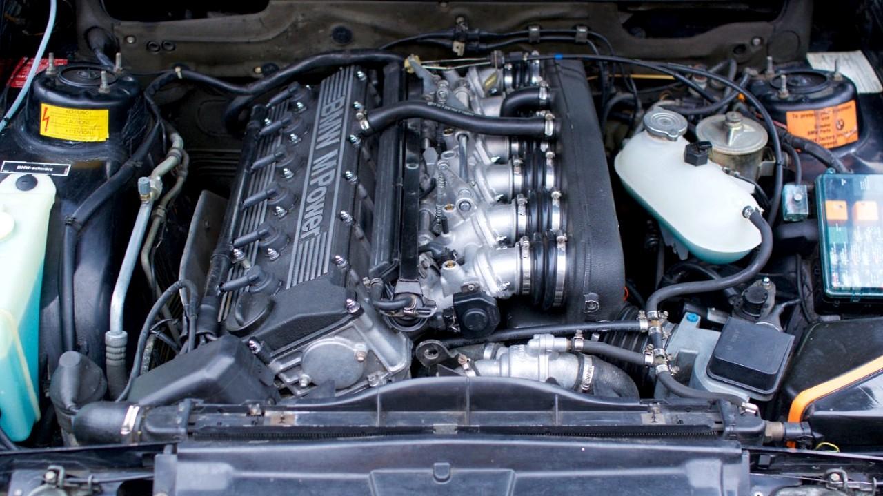 Двигатель БМВ S38B38