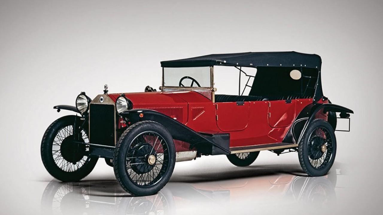 Первый в мире автомобиль с несущим кузовом Lancia Lambda