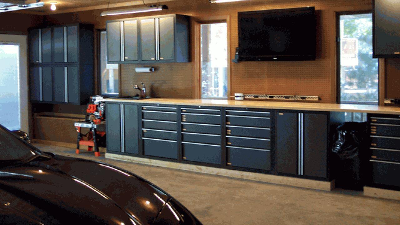 Телевизор в гараже