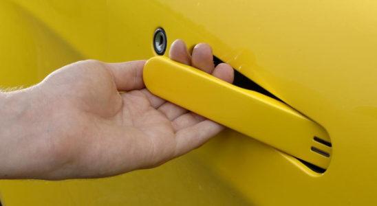 10 автомобилей с необычными дверными ручками