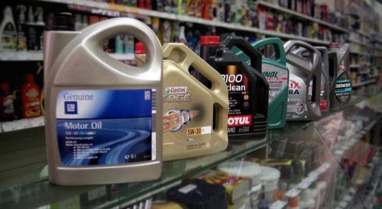 Как проверить подлинность моторного масла и не купить контрафакт